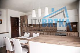 Predaj Novostavba 4 izbový byt, Nitra - Chrenová, terasy, 170 m2
