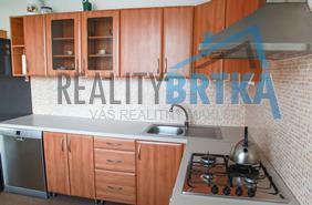 Predaj 3 izbový byt Nitra - Chrenová, Tribečská ul.